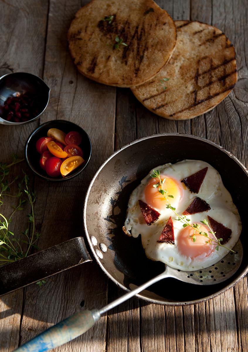 sahanda-yumurta